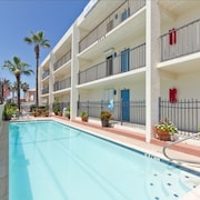 Charming Beachfront Condo With Pool! Reasonable Rates! Great Location!