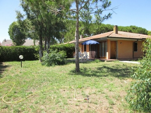Portion of Villa 5 Beds 150 Meters From the Giannella Beach