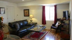 Fernseher, DVD-Player, Bücher