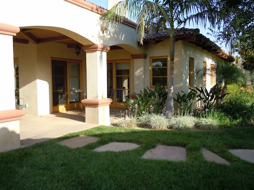 Beautiful Guest House With Spectacular Views of Hillside Avocado Orchards