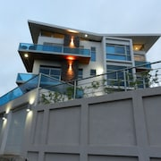 Terrace level luxury condo with astonishing view of Lake Arenal