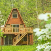 Hocking Hills Cabin With Hottub, Wifi, Firepit, Walking Trail and Pond