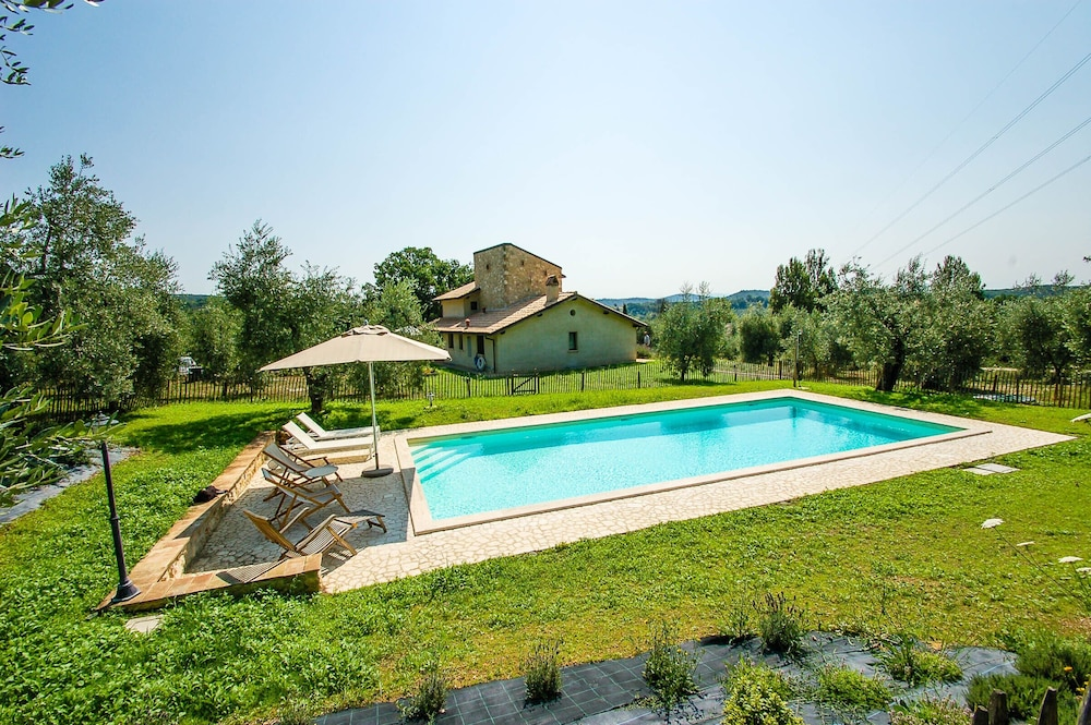 Wondrous House With Private Fenced Pool 5Km From Amelia Quiet Street Interior Design Ideas Inesswwsoteloinfo