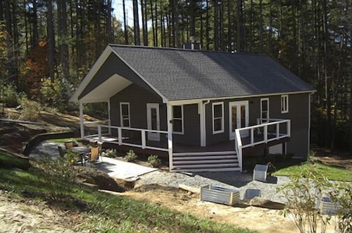 New Construction on 8 Acres. Upscale Rural Luxury 'cottage'