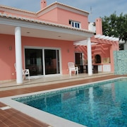 4 Bedroom Villa With sea Views, Private Pool and 4 Km From The Beach