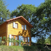 Air-conditioned and Heated Chalet With a Beautiful View of the Mountain and the Valley
