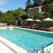 Superb Provencal Farmhouse With Magnificent View in Lacoste in the Parc du Lubéron