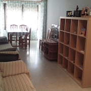 Sunny and big Apartment in the Center, Services at Three Minutes Walk, sea View