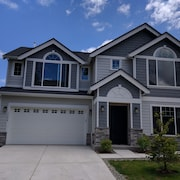 Luxurious Home On Education Hill In Redmond, Just Minutes To Microsoft, 520 Hwy