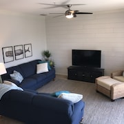 Professionally Decorated 4th Floor Corner Unit -sleep Number Mattresses & Golf!