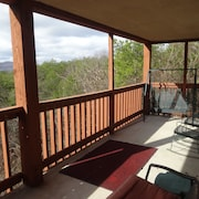 Private Smoky Mtn Retreat YET Minutes to Dollywood, National Park, Shops, Ripkin