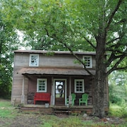 Historical Farm Cottage Retreat Near Clemson