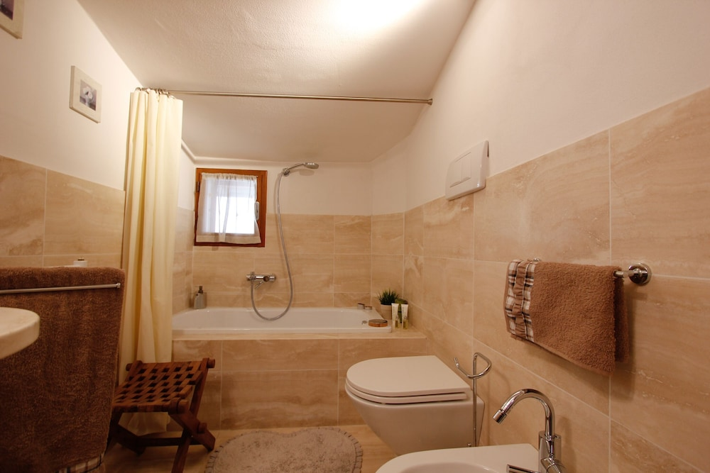 Bathroom, Luxury Apartment With Private Terrace Near the City Centre