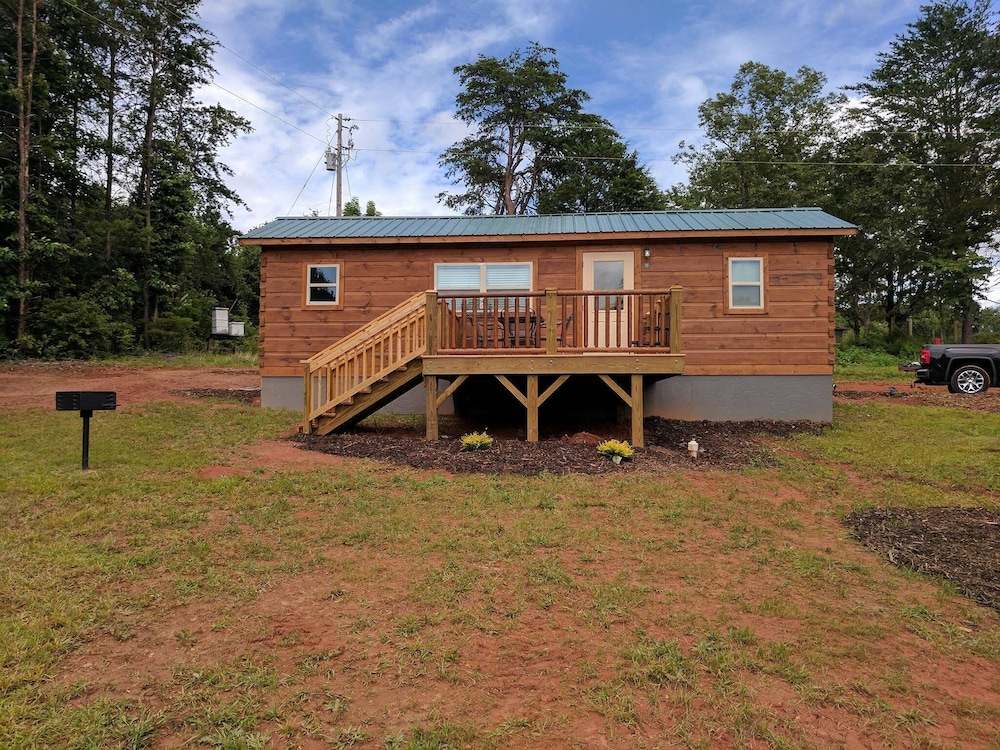 Tiny Cabin In Tryon Nc 3 Miles To Tiec Pet Friendly In
