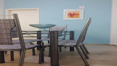Santos Apto Foot IN THE Area- 2dorm - Newly Refurbished, NEW Furniture, AIR Conditioning