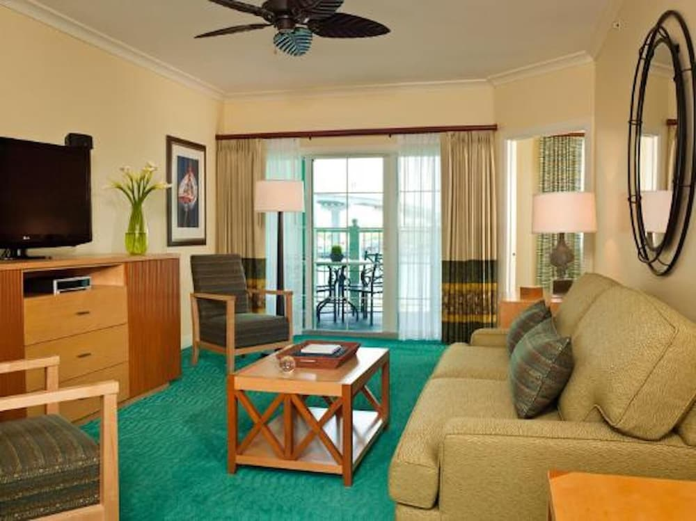 Living Room, Harborside Resort at Atlantis - 1 Bedroom Premium Villa