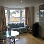 Lovely Bright First Floor 3 bed Flat
