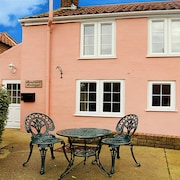 Refurbished Cottage In the Heart of Winterton on Sea
