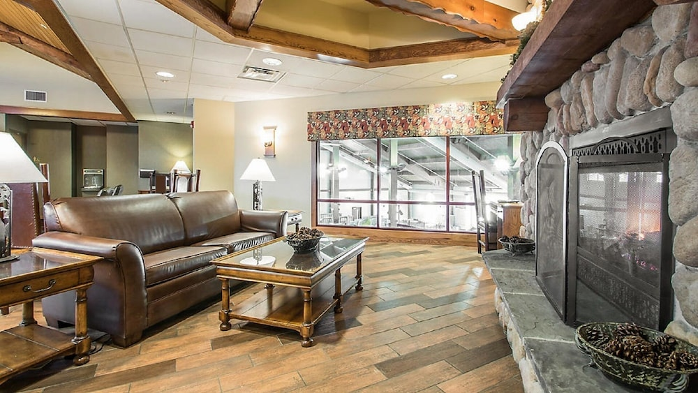 2 Bedroom Cottage Christmas Mountain Village Resort Golf Ski Wisconsin Dells Wisconsin Dells Usa Best Price Guarantee Lastminute Co Nz This home is on the famous christmas mountain village where you golf in the summer and ski in the winter. lastminute co nz