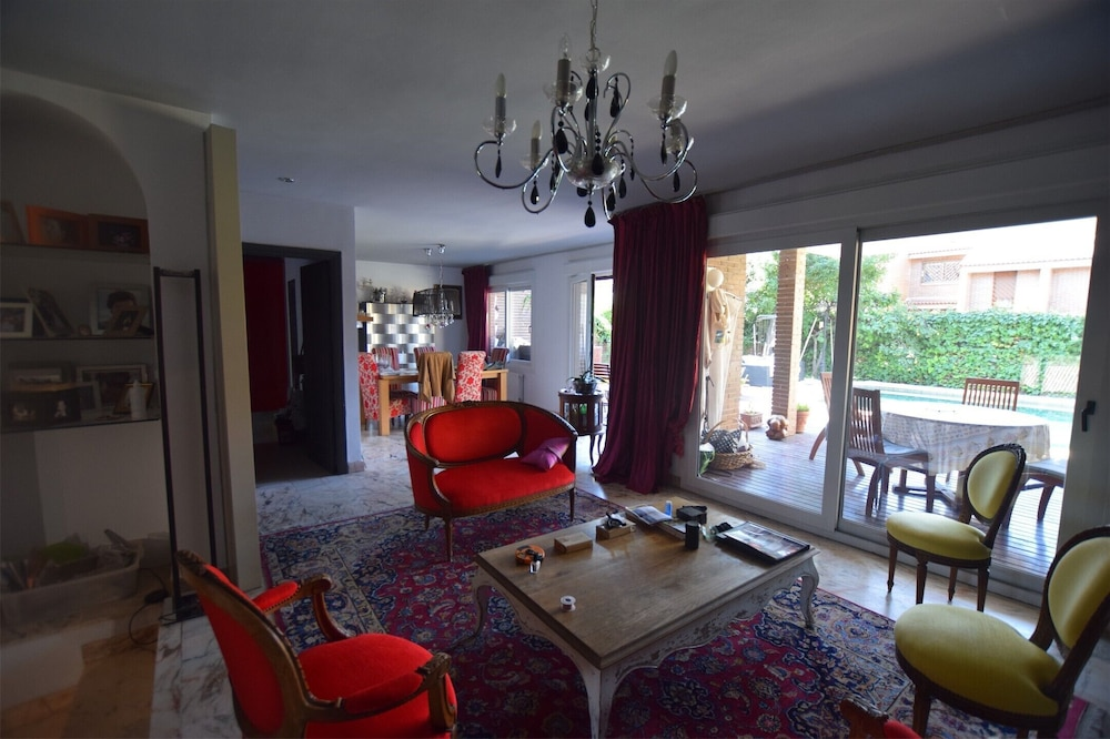 3 mn to Pozuelo Train Station Beautiful Property  Direct to