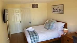 1 bedroom, premium bedding, memory-foam beds, desk