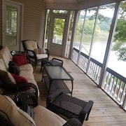 Quiet Lake Front Home on Sugar Creek/elk River