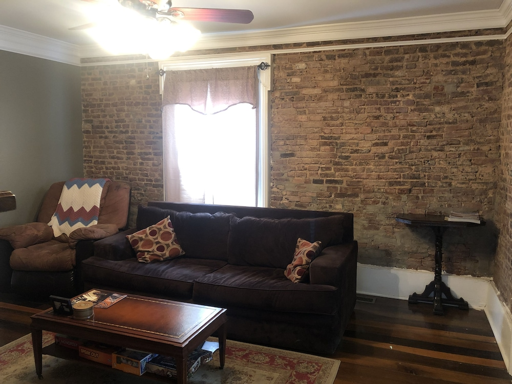 Living Room, Beautiful Apartment in the Heart of Bardstown, KY