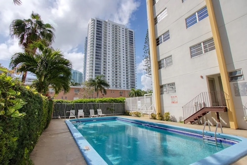 23 Palms Suites Miami Edgewater