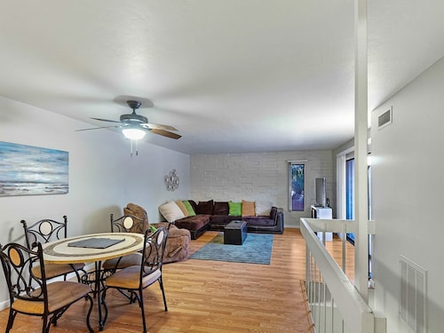 Campus Walk Condo is An Easy Walk to all you Could Want in Tucson!