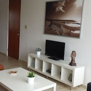 Wkly Discount Rates Fully-furnished 2-level Penthouse Condo at Paseo del Faro