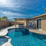 Spacious Desert Oasis With Private Pool & Spa - Sleeps 10