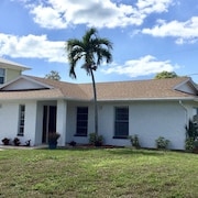 Superb Location ~ 3bed/2bath ~ 1.5 Miles From the Beach,
