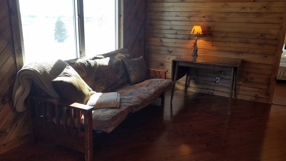 Living Room, Cedar Lodge is Quaint Rustic Lodge With Modern Amenities. Relaxing and Warm!