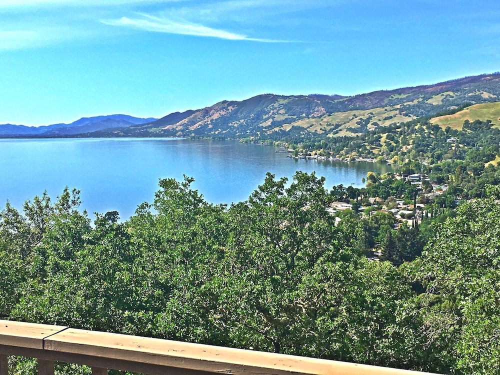 Featured Image, Eagle Nest Retreat - Panoramic Lake and Mountain View