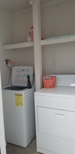 Laundry Room, A Stone Throw to Beach and Convention Center and Two Blocks From the Crest!!