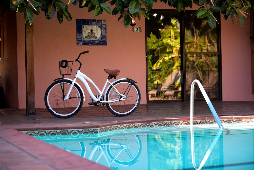 Bicycling, Hotel California