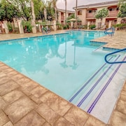 Sparkling Heated Pool  Resort Condo at Desert Breeze