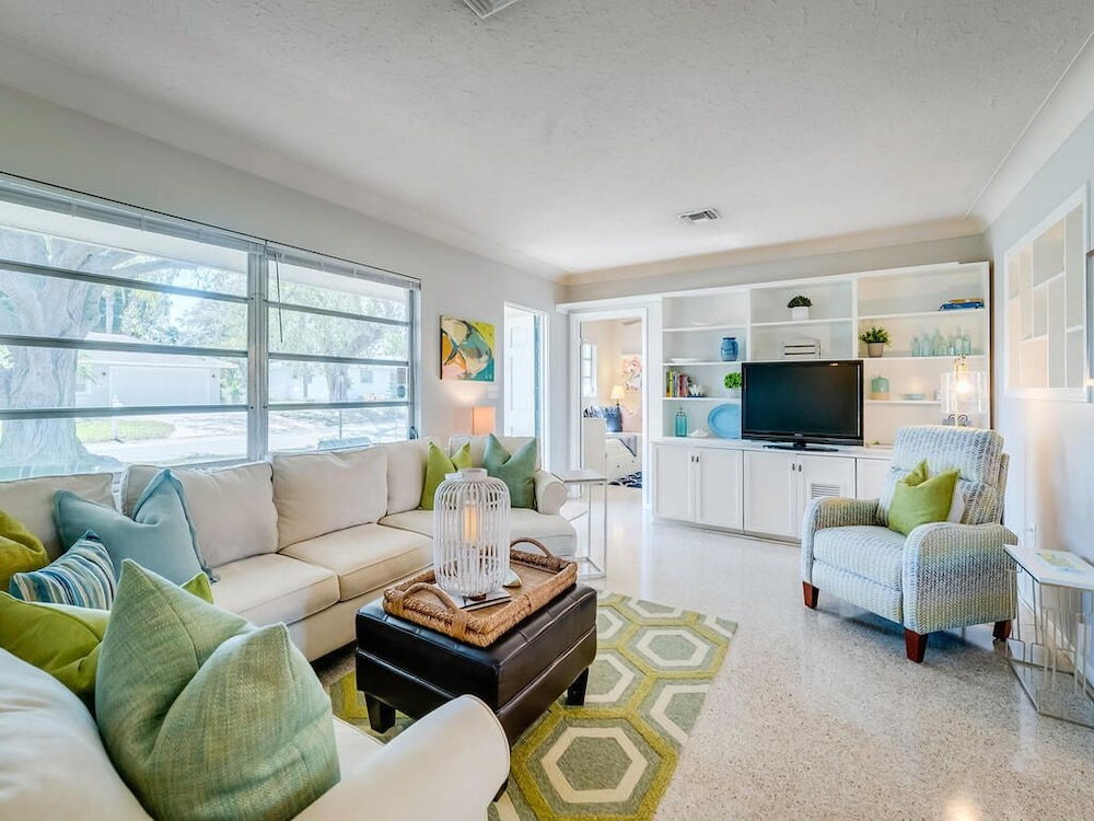 New Listing Modern Mid Century, Coastal Home Minutes To Beach And Downtown  In Sarasota   Hotel Rates U0026 Reviews On Orbitz