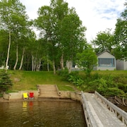 Lakeside Boat Cottage With Dock on Baddeck Bay