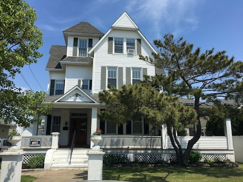 Fabulous Historic Seashore Victorian