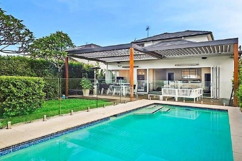 Modern Family Home With Pool in Freshwater on Sydney's Northern Beaches