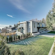 West Vancouver Contemporary Living