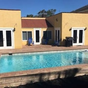 Melbourne 3 King Bedrooms/2 Bath Pool Home Sleeps 9