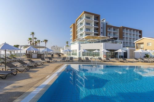 Leonardo Crystal Cove & Spa by the sea - Ultra All Inclusive