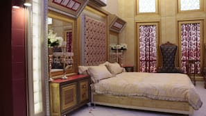 4 bedrooms, down comforters, memory foam beds, in-room safe