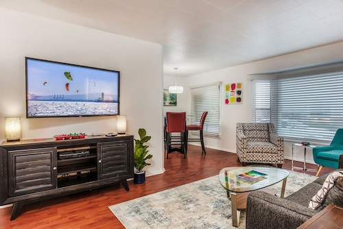 1st Fl Apt-ocean Views, Beach Across THE Street, Walking Distance TO Everything