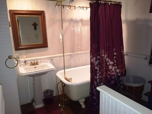 Bathroom, Enjoy Country Living at It's Best. Located a Short Distance From San Antonio