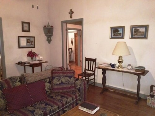 Living Room, Enjoy Country Living at It's Best. Located a Short Distance From San Antonio