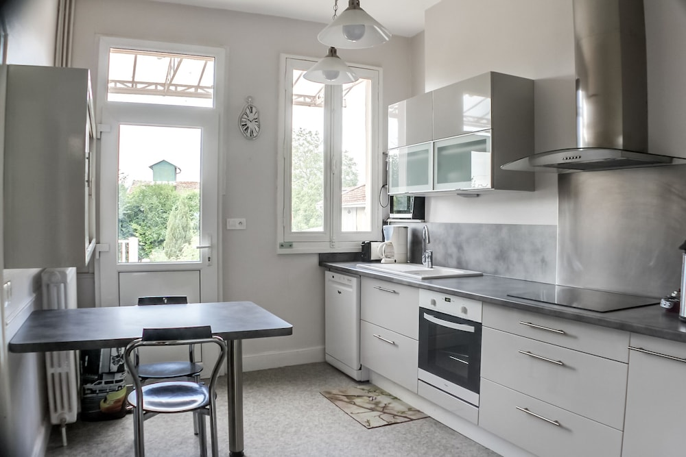Private Kitchen, Weekly Rental of a Charming and Characterful House From the Xixth Century