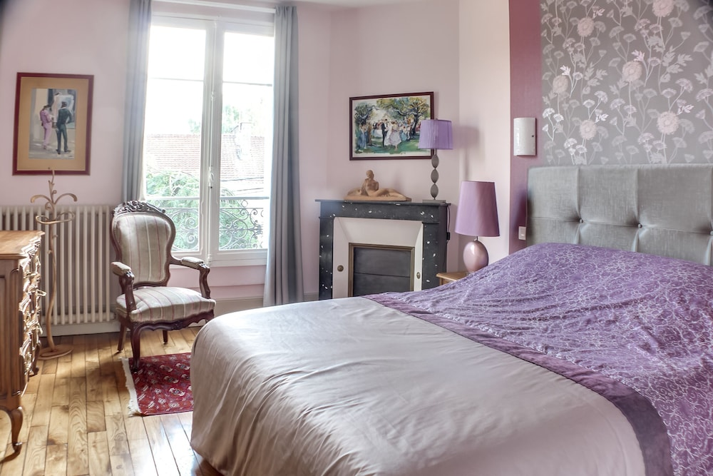 Room, Weekly Rental of a Charming and Characterful House From the Xixth Century